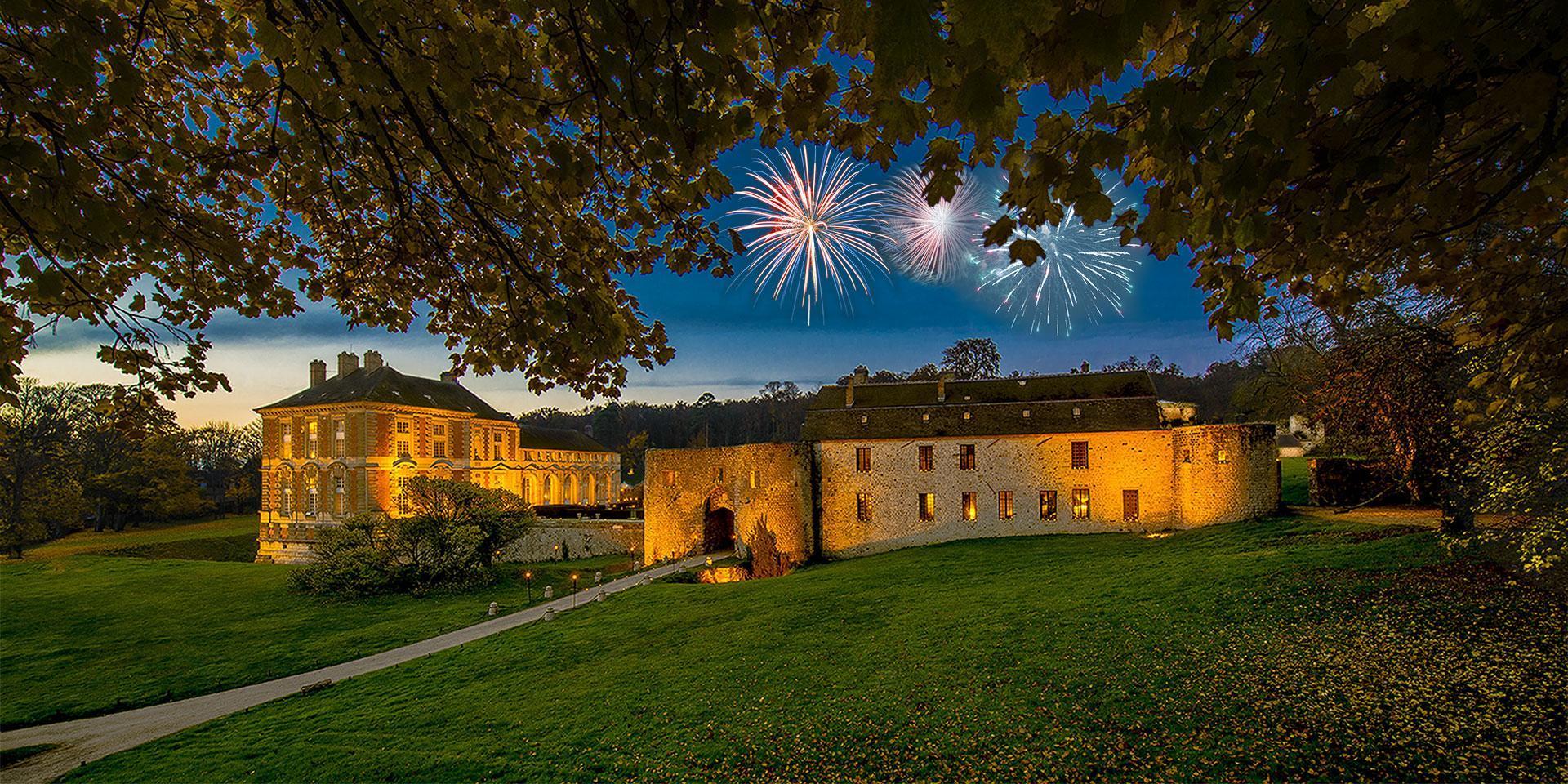 Les artifices au château de Vallery en automne